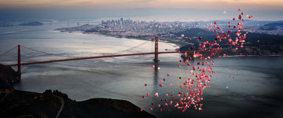<div class='beschrijving'><span class='titel'>BALLOONS OVER SAN FRANCISCO</span><br> PHOTOGRAPHY 54,8 X 125,9 CM (ED.15) AND 80,2 X 186,9 CM (ED.10) AND 105,6 X 247,8 (ED.7)</div>
